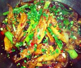 干锅鸭翅的做法