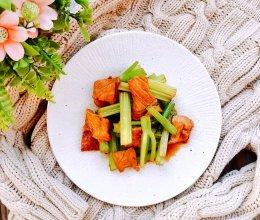 #助力高考营养餐#芹菜炒瘦肉的做法