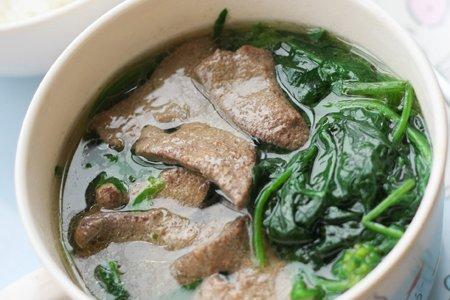 菠菜猪肝汤的做法