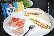芝士蔬菜午餐肉三明治#百吉福时尚达人#的做法