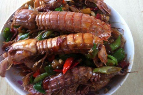 糖,盐,适量 干辣椒,麻椒,适量 青蒜 葱,姜,蒜 麻辣皮皮虾的做法步骤