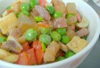 豌豆豆丁炒腊肉的做法