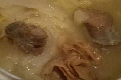白菜燉臘腸油滋滋