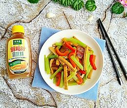 腊肉香芹炒香干#太太乐鲜鸡汁蒸鸡原汤#的做法