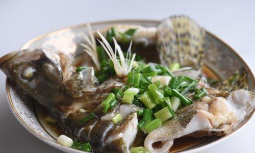 葱油桂鱼#自己做更健康#的做法