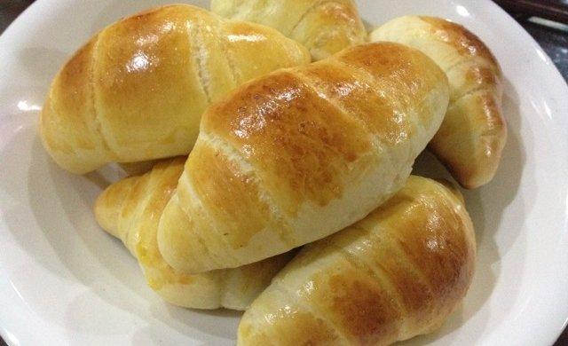 黄油 面包  牛角包