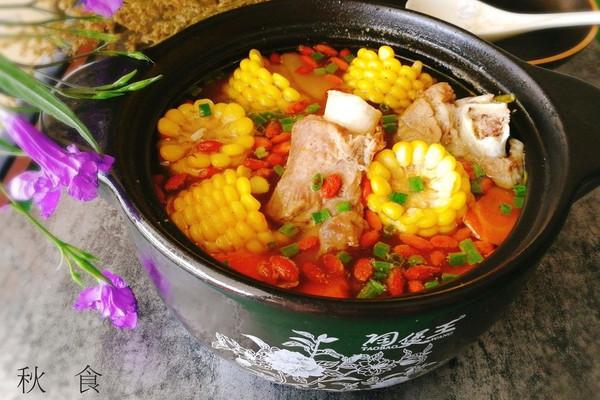 秋食--筒骨玉米胡萝卜汤的做法