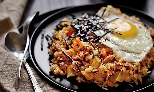 【韩国泡菜炒饭】的做法