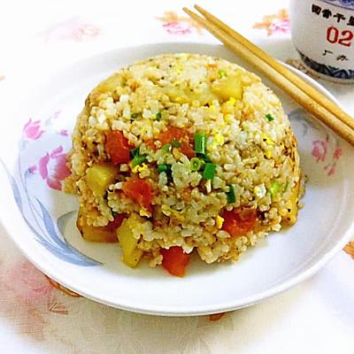 土豆番茄蛋炒饭
