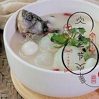 谷雨时节最宜吃的鲫鱼冬瓜汤