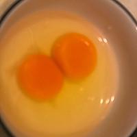 西兰花炒蛋的做法图解1