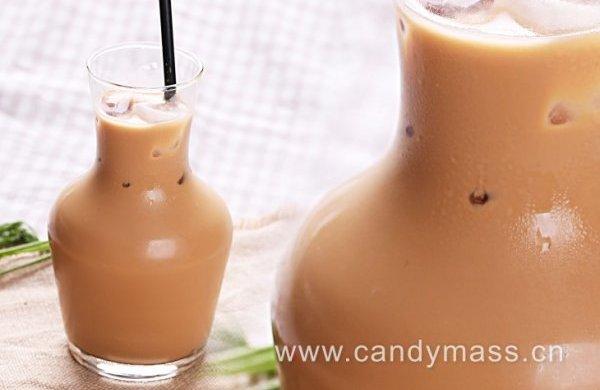 甜心美斯制作正宗的港式奶茶——丝袜奶茶