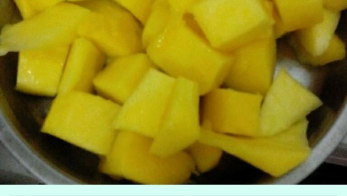 鲜芒果切块