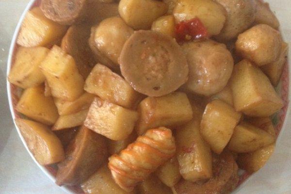 土豆炒肉丸子的做法