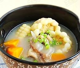 胡萝卜玉米骨头汤  的做法