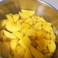 零添加的黄桃罐头的做法图解5