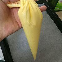 蛋黄溶豆的做法图解3