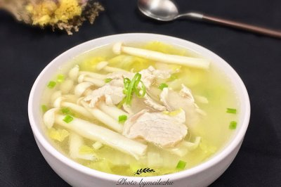 菌菇肉片白菜汤