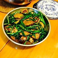 墨鱼茄盒炒韮菜