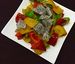 火龙果炒彩椒的做法