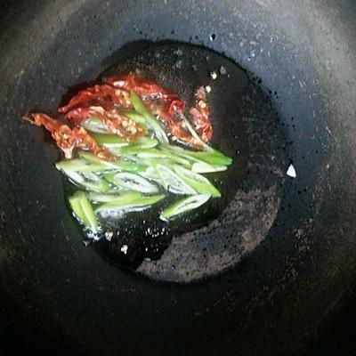白萝卜炒粉条的做法 步骤3