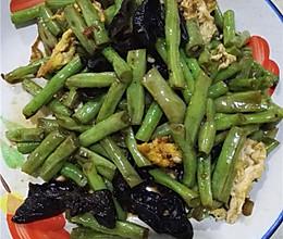 木耳蛋炒豇豆的做法