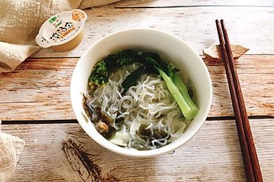 5分钟做早餐-紫菜虾米高汤米粉
