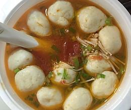 番茄金针菇鱼丸汤的做法