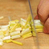 韭黄肉春卷-迷迭香的做法图解1