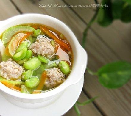 蚕豆杂蔬汤
