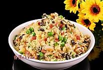 扬州炒饭那么有名, 真是火腿肠加胡萝卜炒的? 看看厨子怎么炒的做法