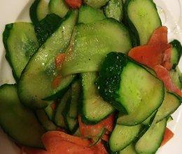 红绿配~爆炒黄瓜火腿的做法