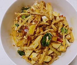 泡椒芹菜豆干肉丝的做法