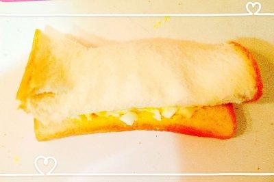 鸡蛋沙拉吐司卷