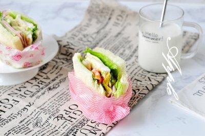 牛油果鲜虾三明治