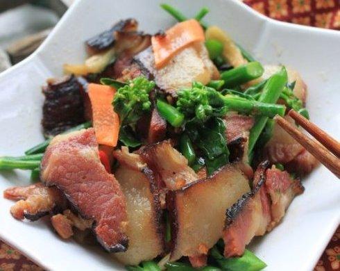 芥兰炒湘西腊肉