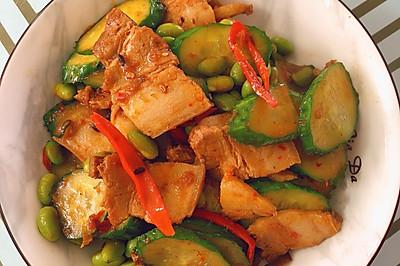 黄瓜毛豆回锅肉