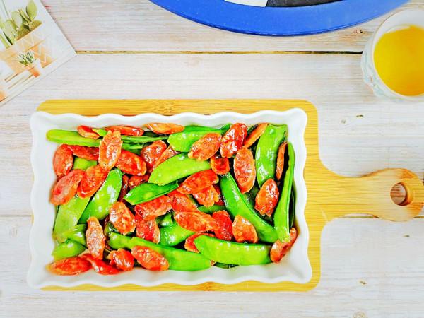 过年必吃~老广味道荷兰豆炒腊肠的做法