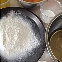 五福蛋糕(附法式奶油霜的制作)的做法图解2
