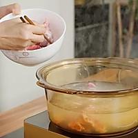 青红萝卜猪展汤的做法图解2