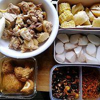 猴头菇炖鸡汤的做法图解2