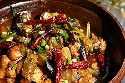 茄子焖锅鱼