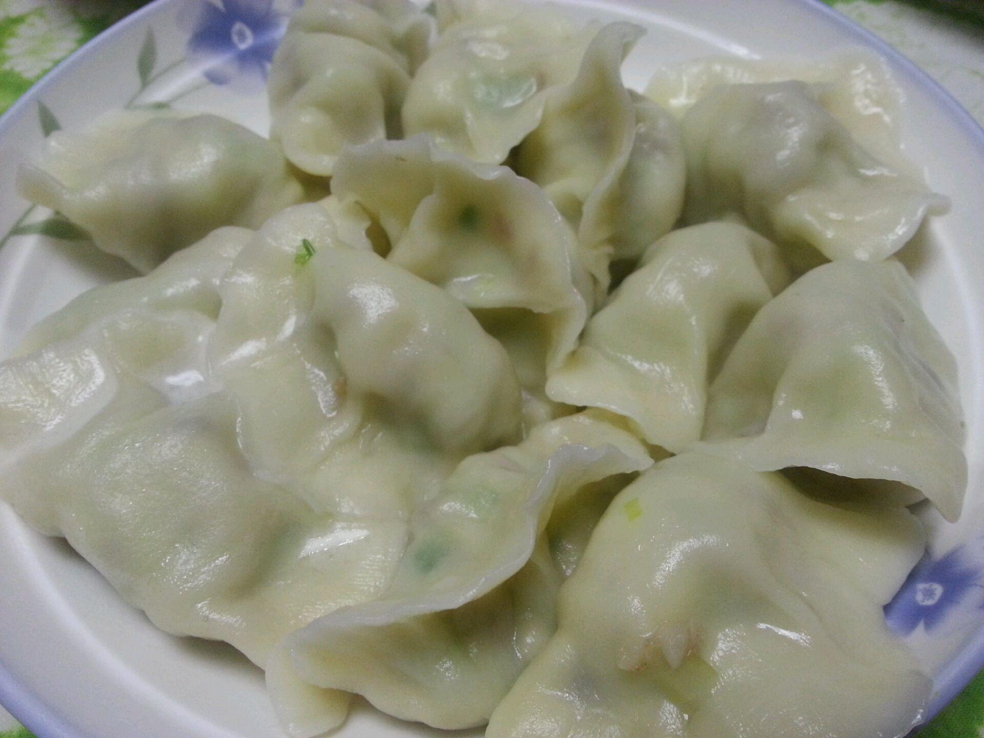 乐乐自家菜--熏肉韭黄饺子的做法步骤