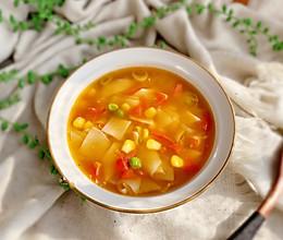 #快手又营养,我家的冬日必备菜品#饺子皮面片汤的做法