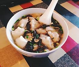 一道贴心暖胃的早餐——香菇肉馅儿鲜汤馄饨的做法