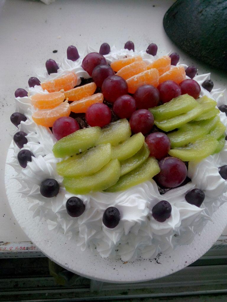 裱花水果生日蛋糕的做法