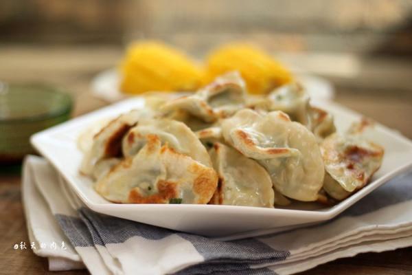 利仁电饼铛试用之煎饺的做法