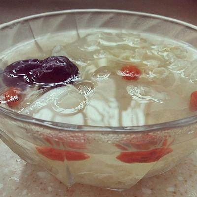 银耳莲子红枣汤 消暑滋补夏季养生汤
