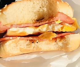 比M记汉堡还好吃料更足的早餐的做法