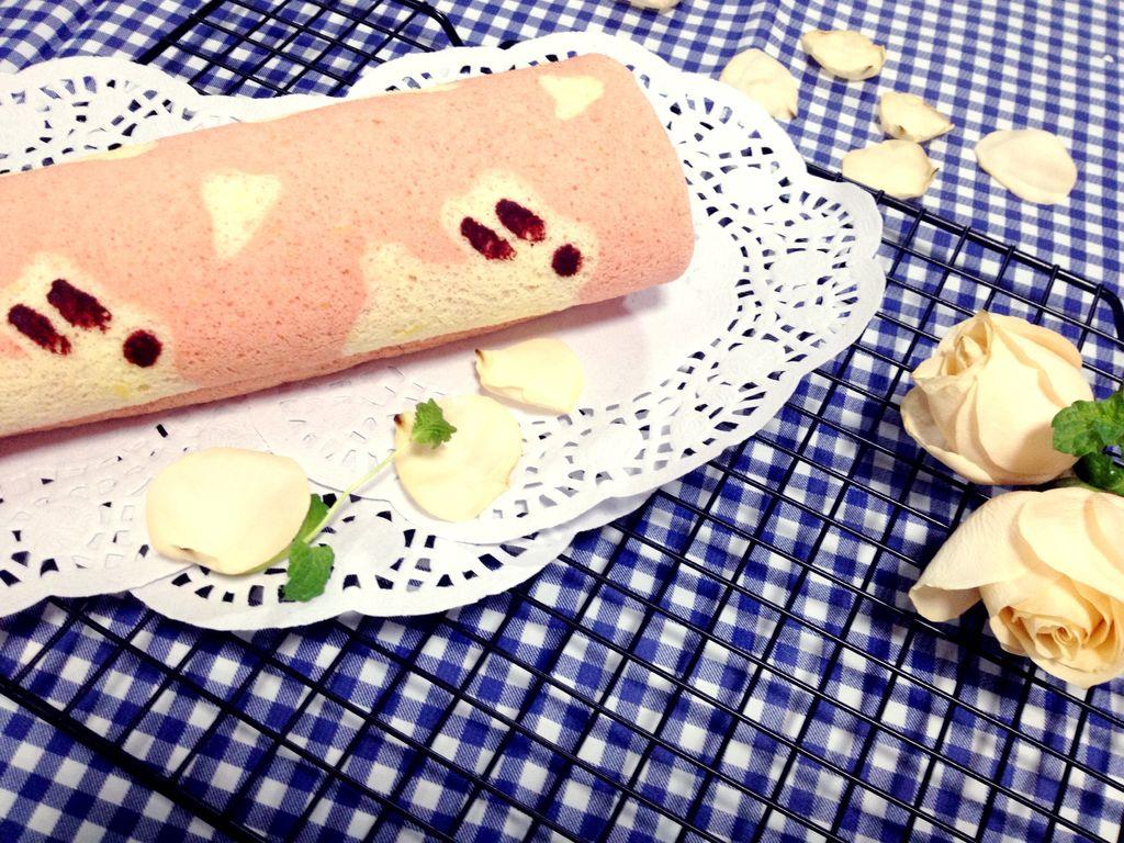 萌萌兔彩绘蛋糕卷